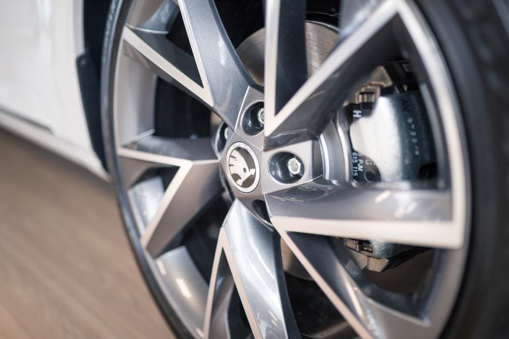 Zubehör und Reifen
